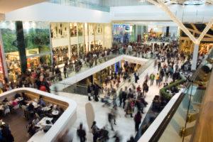 Überfülltes Einkaufszentrum