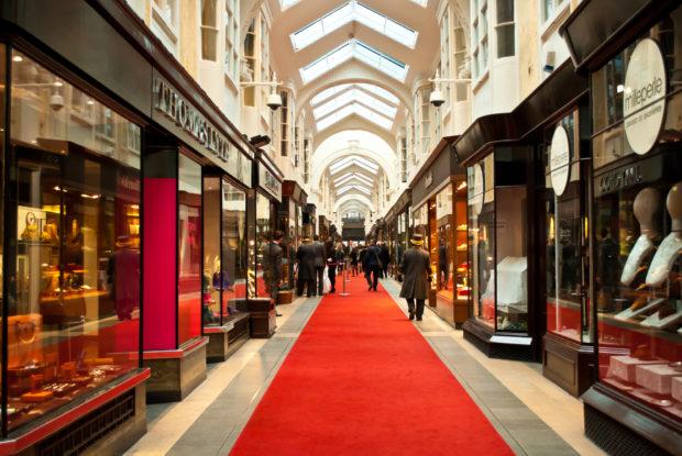 Warum Kunden – trotz Online-Shopping – auch künftig im Geschäft einkaufen