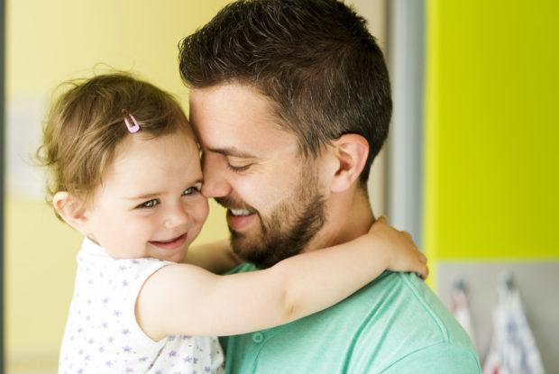 Väter fürchten Folgen langer Elternzeit