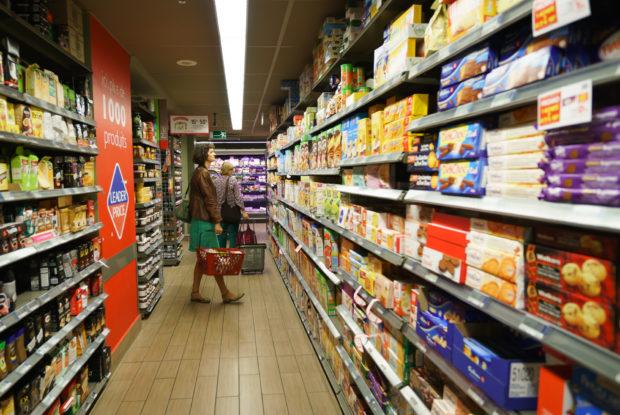 Verbraucher treten auch nach Lockdown auf Konsumbremse