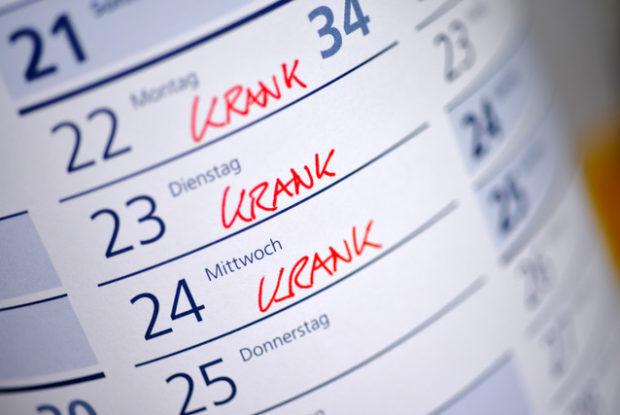 Mitarbeiter ständig krank: Was Arbeitgeber hinsichtlich Krankmeldung und Fehlzeiten wissen müssen