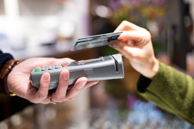 Weit verbreiteter Wunsch nach kontaktlosem Bezahlen