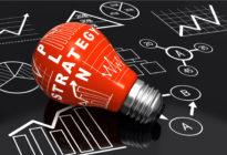 Strategieplan mit roter Glühlampe