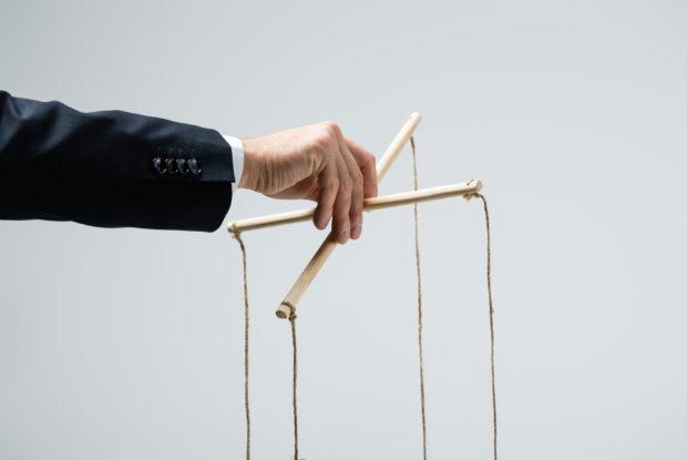 Kontrollfreaks am Arbeitsplatz: Der Abschied vom Mikromanager