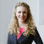 Porträtfoto von Katharina Pratesi, Partnerin und CPO von brandmonks