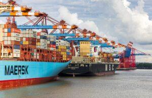Konjunktur: Schiffe im Hafen
