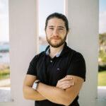 Porträtfoto von Deniz Deke, Coach
