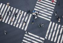 Entscheidung_Menschen auf dem Zebrastreifen