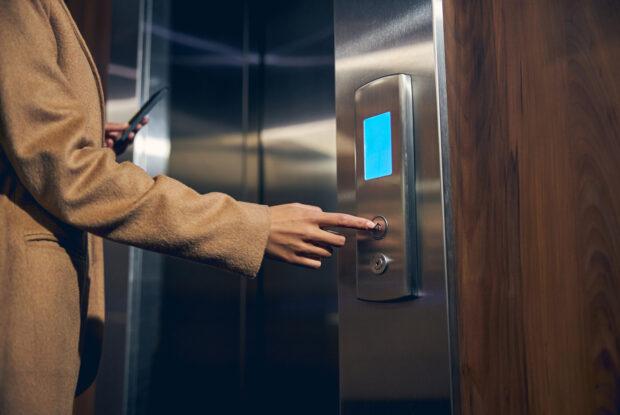Elevator Pitch: Aufbau, Tipps und Beispiele