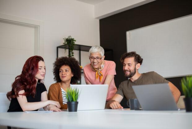 Wie Unternehmen mit jungen Mitarbeitern umgehen sollten